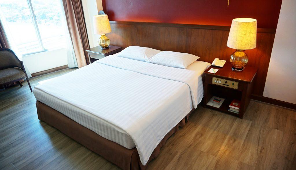 Krungsri River Hotel : Luxury room