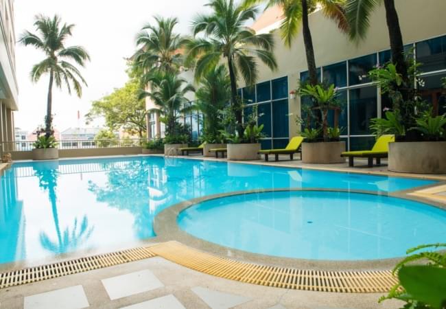 Krungsri River Hotel : Swimming pool